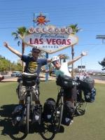 arrived in Las Vegas yeeeaaahhh :)